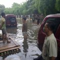 Suasana Penyerahan bantuan di Patra Raya, Kebon Jeruk, 21 Januari 2014 - Pkl. 15.13
